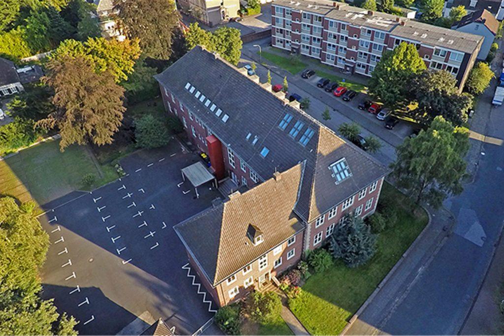 Auch das kreiseigene Studieninstitut für kommunale Verwaltung Emscher-Lippe am Alten Postweg in Dorsten soll in ein paar Jahren Sonnenkollektoren bekommen.