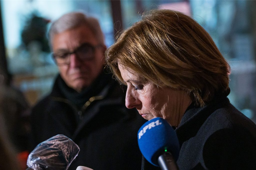 Ministerpräsidentin Malu Dreyer (SPD) und Innenminister Roger Lewentz (SPD) geben am frühen Abend der Presse ein erstes Statement.
