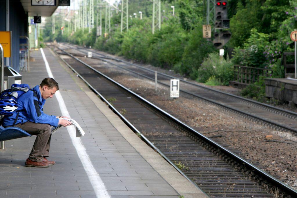 Nächster Halt: Nicht Bonn-Beuel. Ein Lokführer vergas in diesem Jahr einfach einen Bahnhof anzufahren.