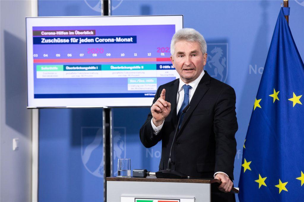 Andreas Pinkwart (FDP), Wirtschaftsminister von Nordrhein-Westfalen, und Gesundheitsminister Karl-Josef Laumann informierten zur aktuellen Lage in der Corona-Pandemie.