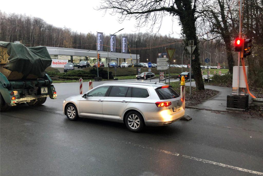 Viele Berufspendler ärgern sich über die Baustellenampel an der Einmündung Südring/Kamener Straße.