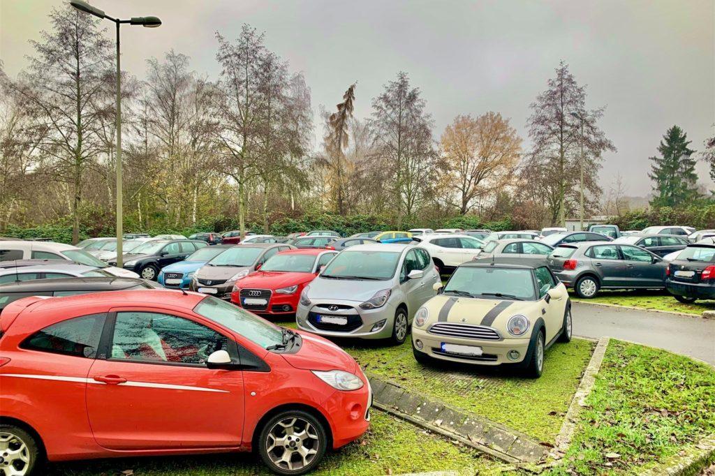 Auch in Corona-Zeiten ist der Parkplatz immer voll.