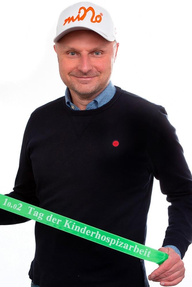 Der Lüner Künstler Michael Nolte setzt sich für den Kinder- und Jugendhospizdienst ein.