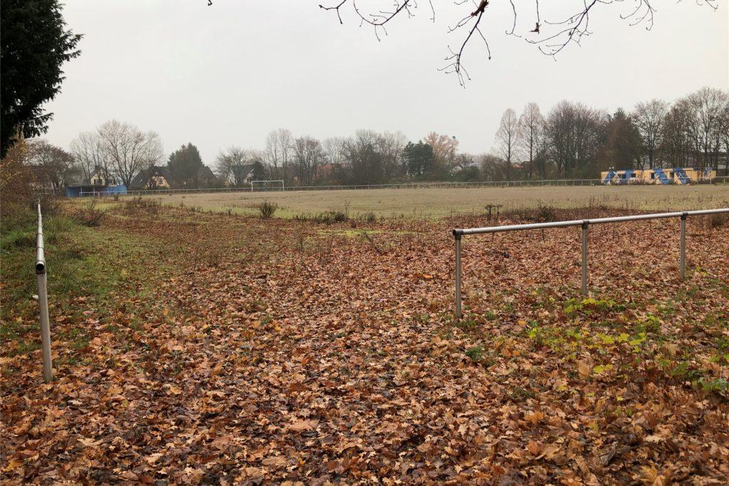 Auch der Sportplatz, auf dem früher der SV Dortmund 82 kickte, hat seine beste Zeit hinter sich. Er weicht ebenfalls dem Wohnungsbau.