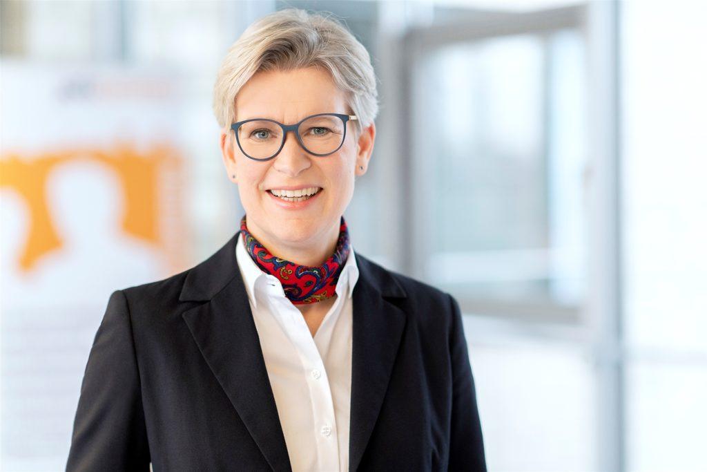 Dr. Regine Schmalhorst, die Geschäftsführerin des Jobcenters Dortmund, lobt das Teilhabechancen-Gesetz als gesetzlich verankertes Förderinstrument.