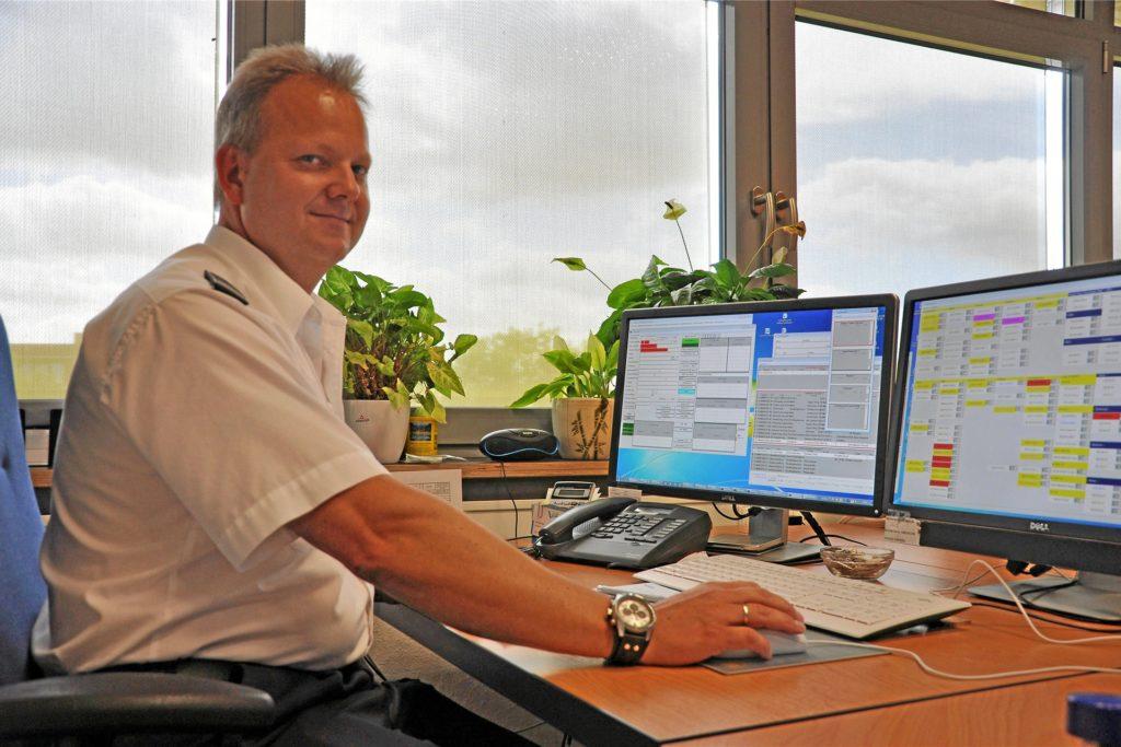 Sven Wehrhagen leitet die Leitstelle der Feuerwehren im Kreis Recklinghausen.