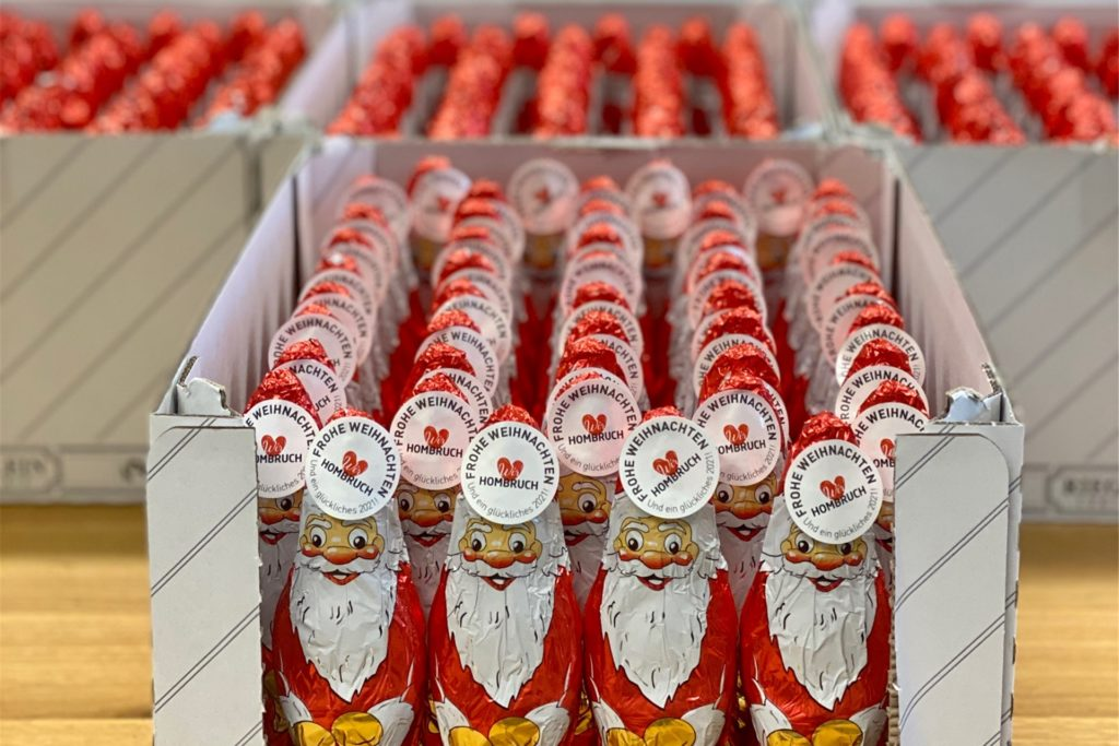 1000 Schokoladen-Weihnachtsmänner haben die Hombrucher Nikoläuse am Wochenende verteilt.