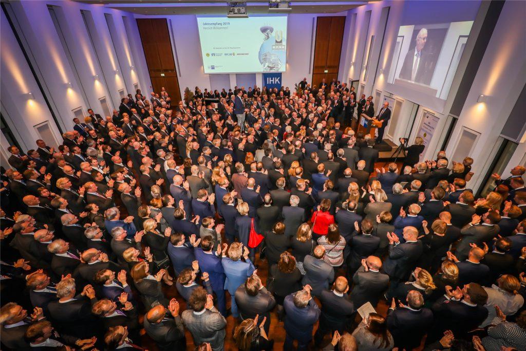 So war es vor einem Jahr. Mehr als 700 Gäste kamen am 2. Dezember 2019 zum IHK-Jahresempfang in den Großen Saal der Kammer an der Märkischen Straße in Dortmund