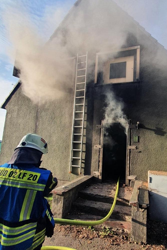 Die Training Base in Weeze liefert den Feuerwehrleuten realistische Szenarien.