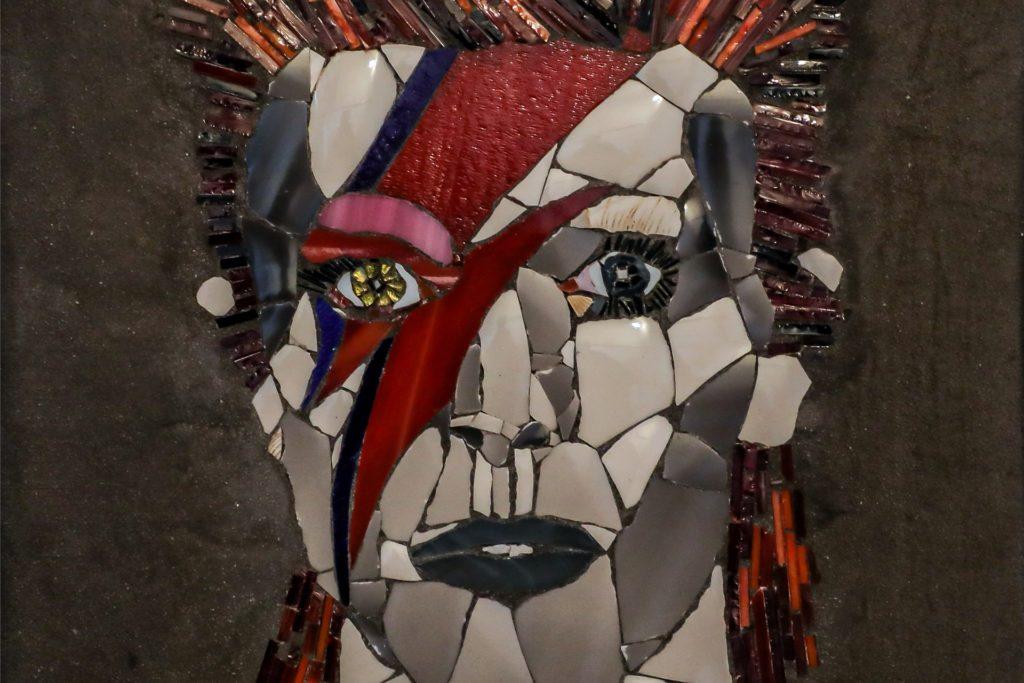 Für David Bowie hat Sabine Nagel Geschirrreste verwertet.