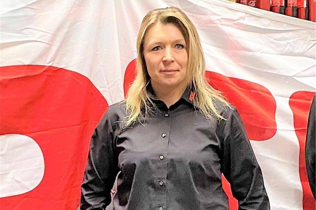Rewe-Kauffrau Katharina Nolte öffnet an Heiligabend bereits um 6 Uhr. 50 Mitarbeiter werden im Einsatz sein.