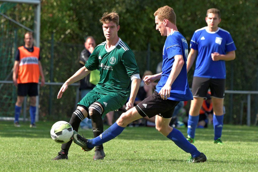 Der aktuelle Spielertrainer des SC Ahle, Michael Haeske (l.), kehrt nach Wüllen zurück.