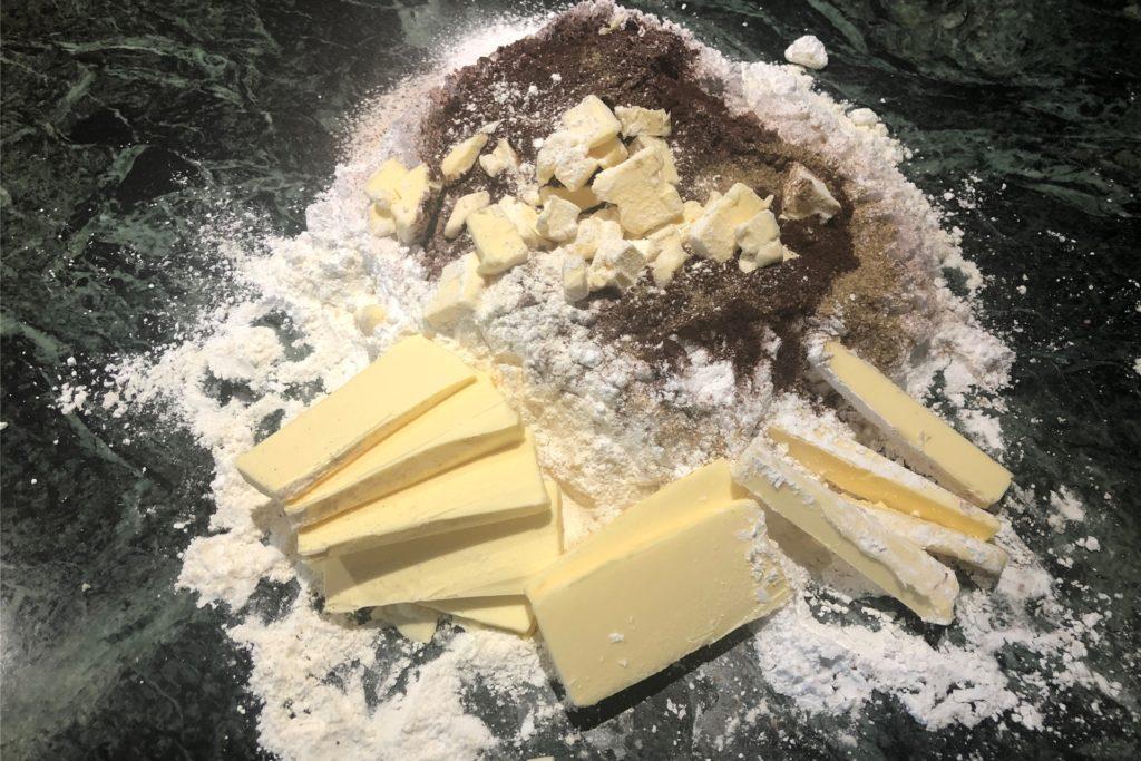 So startet das Backen der Schokoladenstangen.