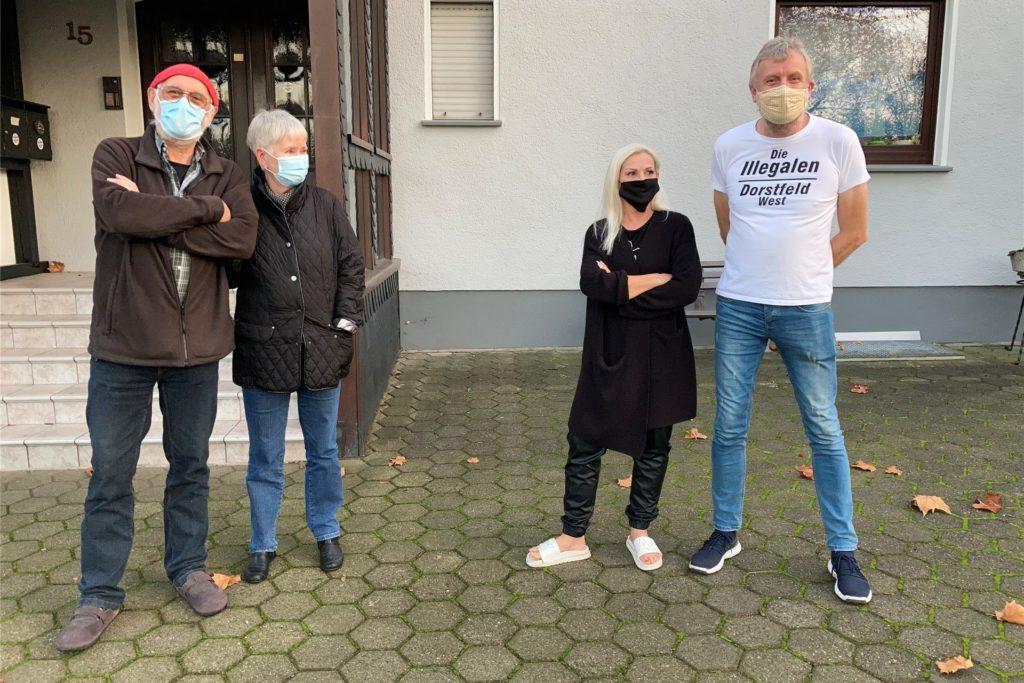 """""""Die Illegalen von Dorstfeld West"""": Reiner Blase (73), Christine Blase (71), Angela Kretschmar (53) und Rainer Hartwig (59)."""
