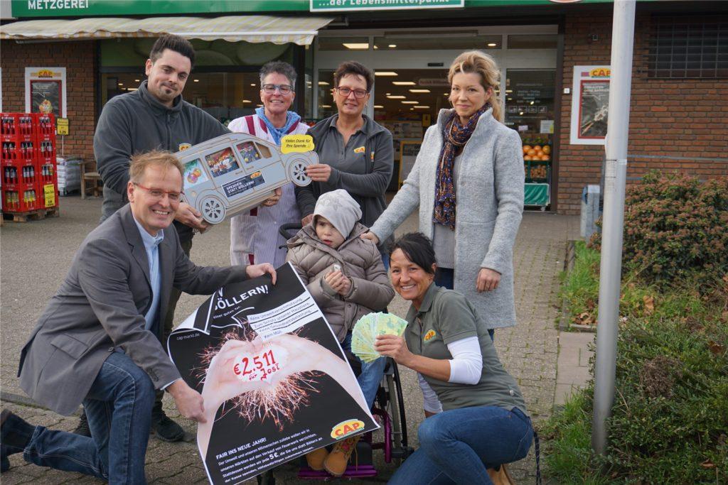Spenden-Aktion des CAP-Marktes in Grafenwald für die herzkranke Josi.