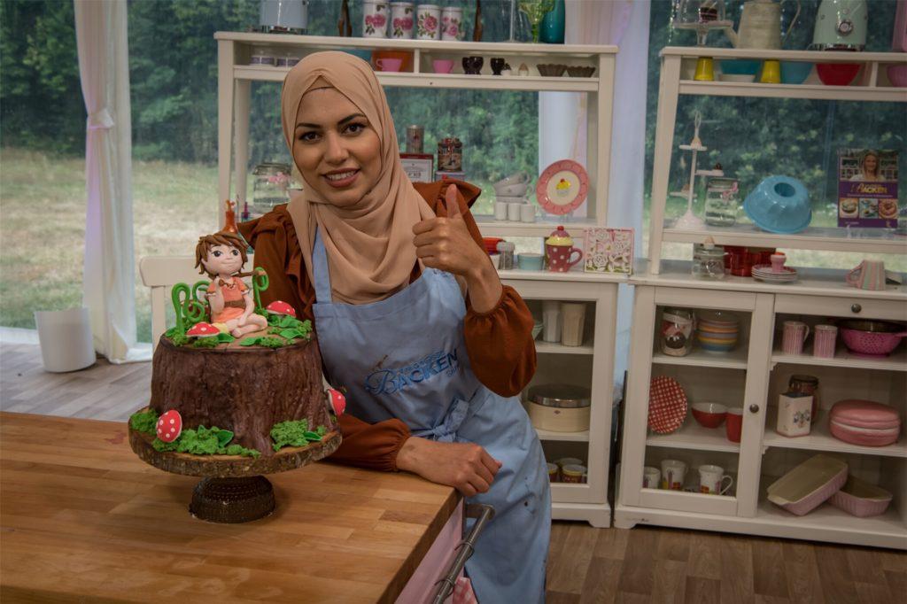 """Saras """"Astrid-Lindgren-Torte"""": Die 31-Jährige entschied sich für eine Nougat-Buttercreme mit Beeren-Gelee, frischen Waldbeeren und Haselnusscrunch. Obenauf thront Ronja Räubertochter, eine der bekanntesten Romanfiguren Astrid Lindgrens."""