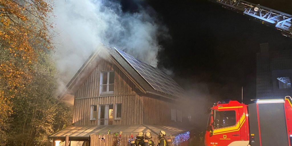 Am Mittwochabend (9. Dezember) hat es im Dortmunder Westen in einem Holzhaus gebrannt.