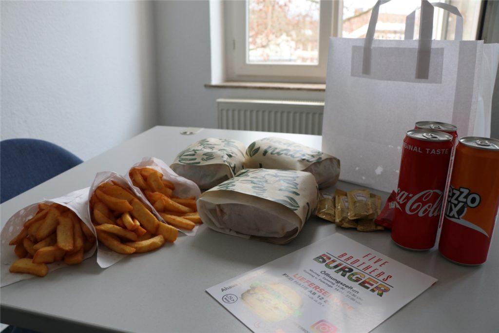 Das Restaurant verzichtet soweit wie möglich auf Plastikverpackungen und setzt auf Papier und recyclebare Dosen.