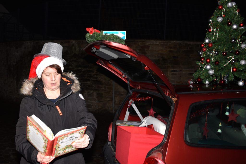 """Nicole Napierski ist Tagesmutter. Um den Kindern ein bisschen Weihnachten nach Hause zu bringen, unternimmt sie eine """"Weihnachtsreise""""."""