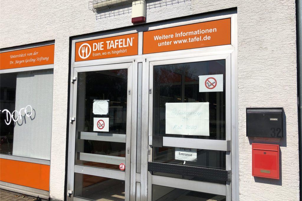 Die Tafelausgabe in Unna-Königsborn an der Dorotheenstraße ist eine der Ausgabestellen, die am Dienstag, 15. Dezember, noch einmal öffnen, bevor der Lockdown beginnt. In vielen der kleineren Ausgabestellen ist das Einhalten der geforderten Mindestabstände nicht möglich.