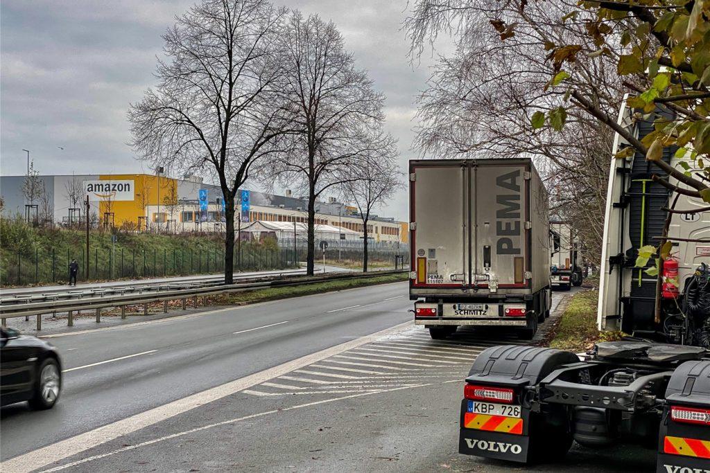 Vor allem das Amazon-Logistikzentrum auf der Nordseite der Brackeler Straße sorgt für das hohe Aufkommen an Lieferverkehr.