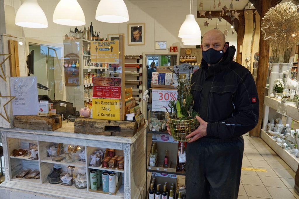 Auch Bernd Heitmann vom gleichnamigen Blumengeschäft hat für seine Kunden einen Lieferservice eingerichtet.