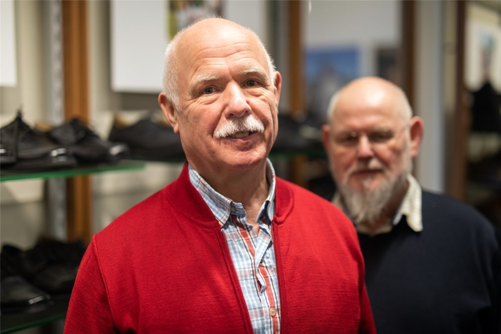Georg Wessels (l.) ist für den unternehmerischen Teil zuständig. Sein Bruder Peter Wessels hält sich lieber im Hintergrund und erledigt die Arbeit in der Werkstatt.
