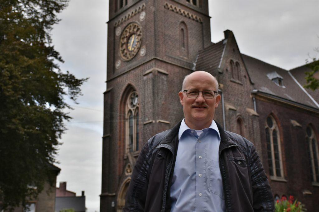Arno Wittekind, Pfarrer der evangelischen Paulus-Gemeinde, stünde hinter einer Absage der Gottesdienste. Er entscheidet aber nicht allein.