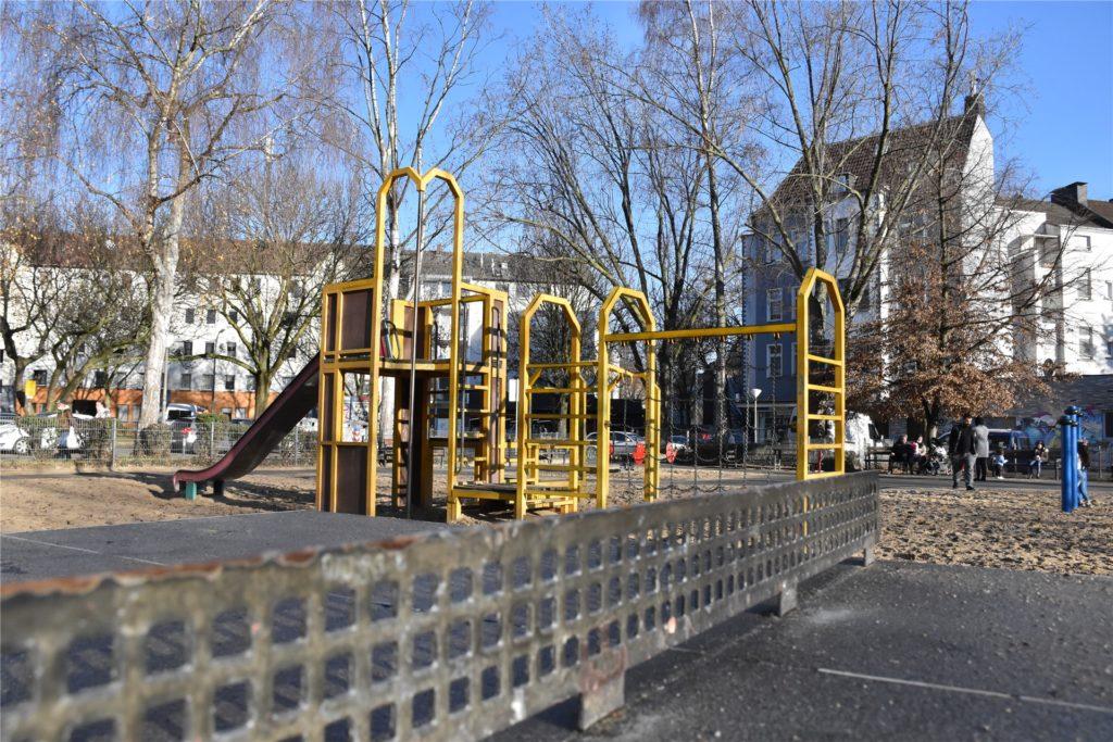 Dieser Spielplatz liegt direkt neben dem Ort des Geschehens.