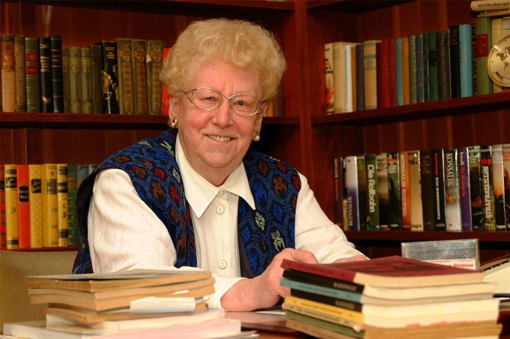 Gerda Illerhues-Heselmann, Dorstener Autorin, verstarb 2011. Einige Geschichten von ihr sind überliefert, darunter die Wulfener Weihnachtsgeschichte.