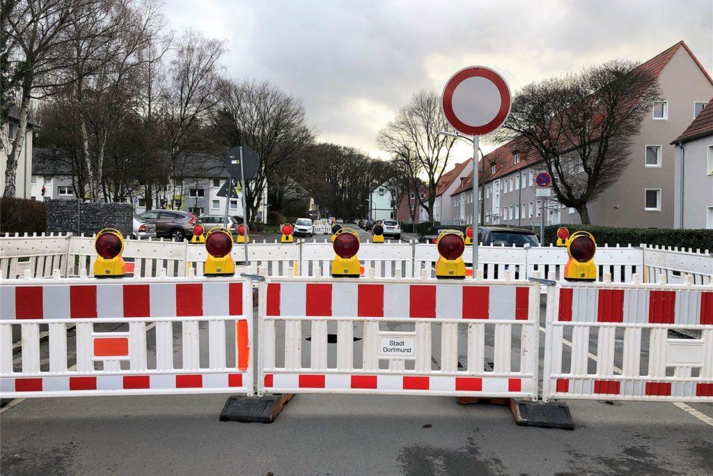 Die Dorneystraße ist wegen des Tagesbruchs teilweise gesperrt.