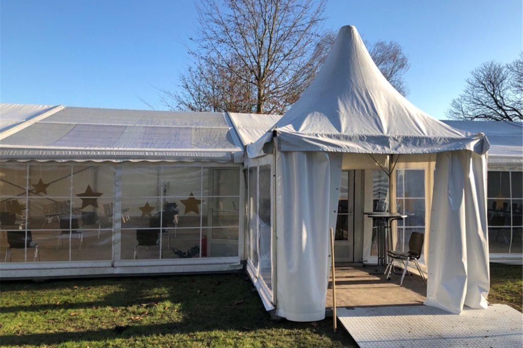 In diesem Zelt sollen neben der katholischen Schutzengelkirche in Frohlinde ab Sonntag, 20. Dezember, die Gottesdienste gefeiert werden.