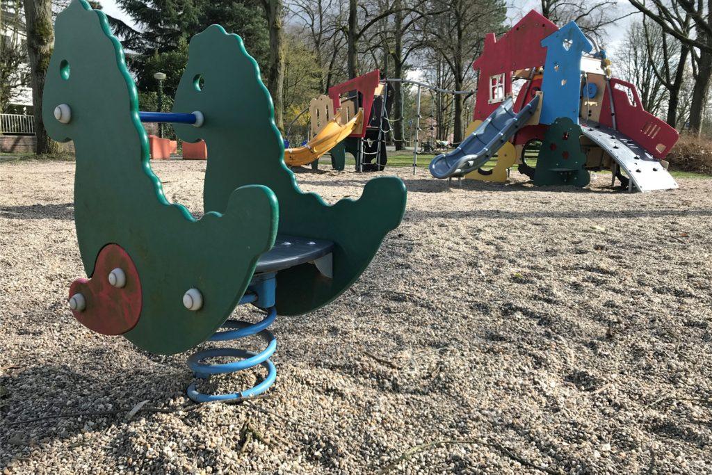 Der Spielplatz an der Saline ist besonders für kleinere Kinder geeignet.