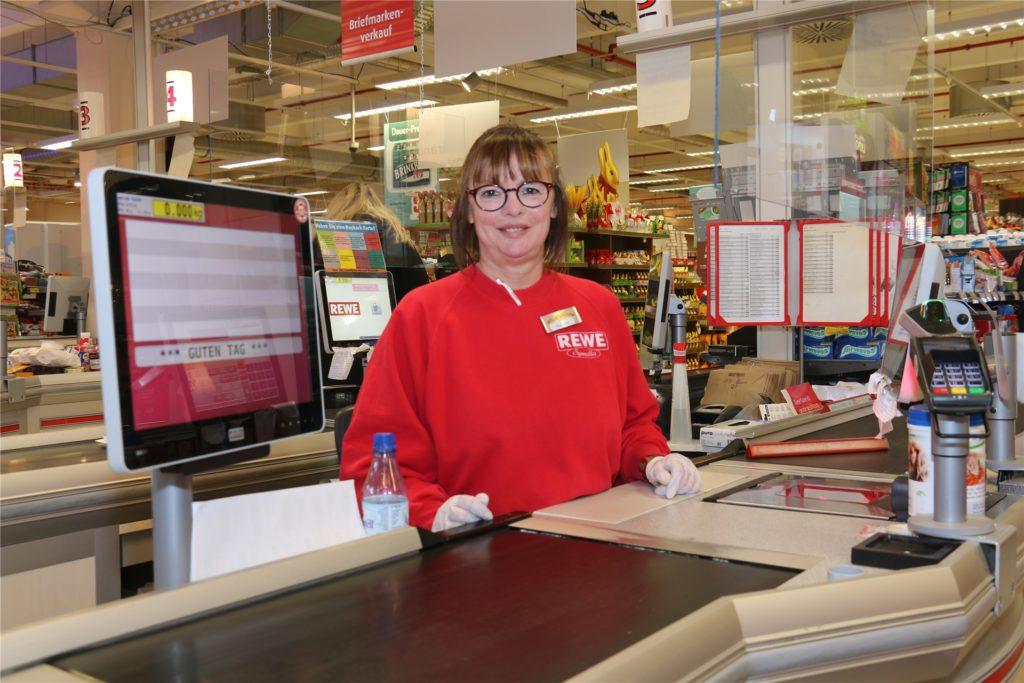 Heike Glas musste sich als Mitarbeiterin eines Supermarktes schlimme Beleidigungen anhören.