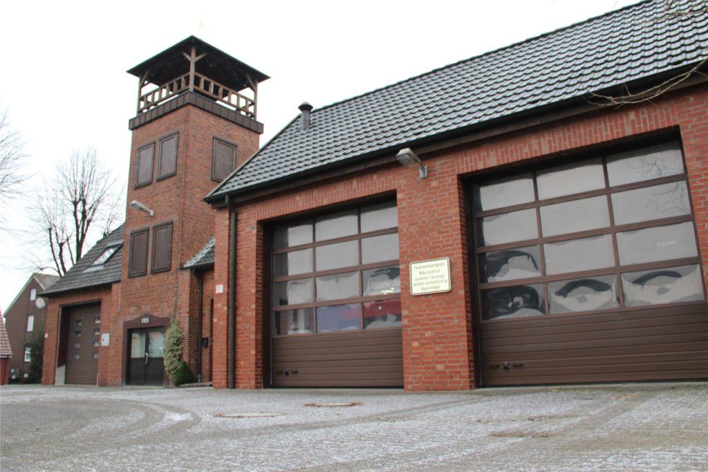 Das Feuerwehrgerätehaus an der Bernhardstraße in Herbern entspricht nicht mehr den heutigen Anforderungen und soll ganz neu und an anderer Stelle entstehen.