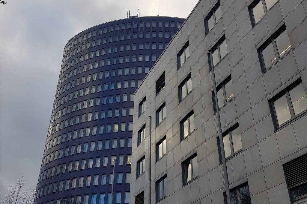 Das neue Büro von Amir liegt im Ellipson in der Dortmunder City im 13. Stock.