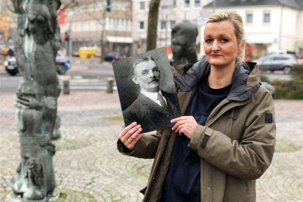 Gudula Hamacher sieht die Geschichte der Titanic mit anderen Augen: Der Cousin ihres Urgroßvaters, Anton Abbing, war an Bord und starb beim Untergang.