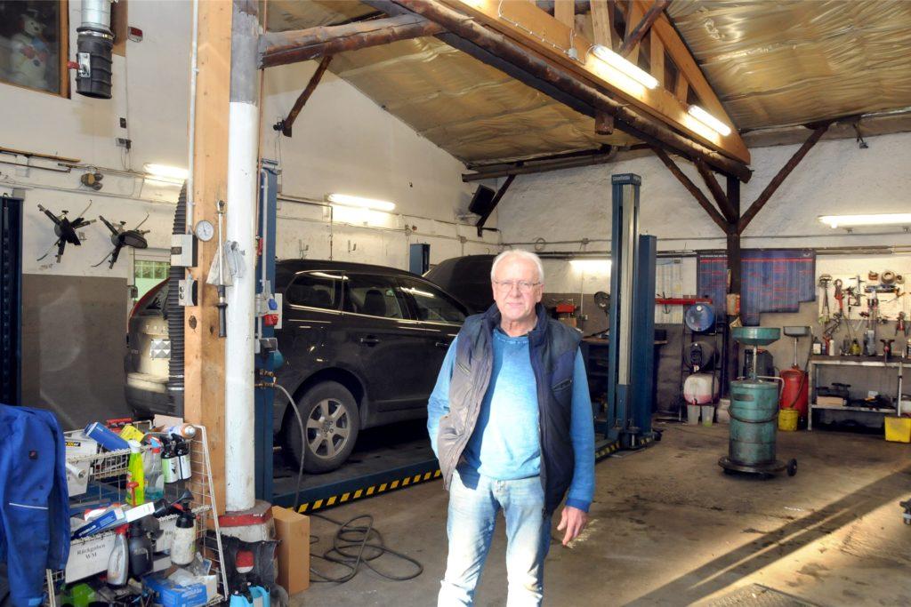 Seine Werkstatt mit der Hebebühne für Wohnmobile will Kfz-Meister Martin Matschullies selbst weiterführen.