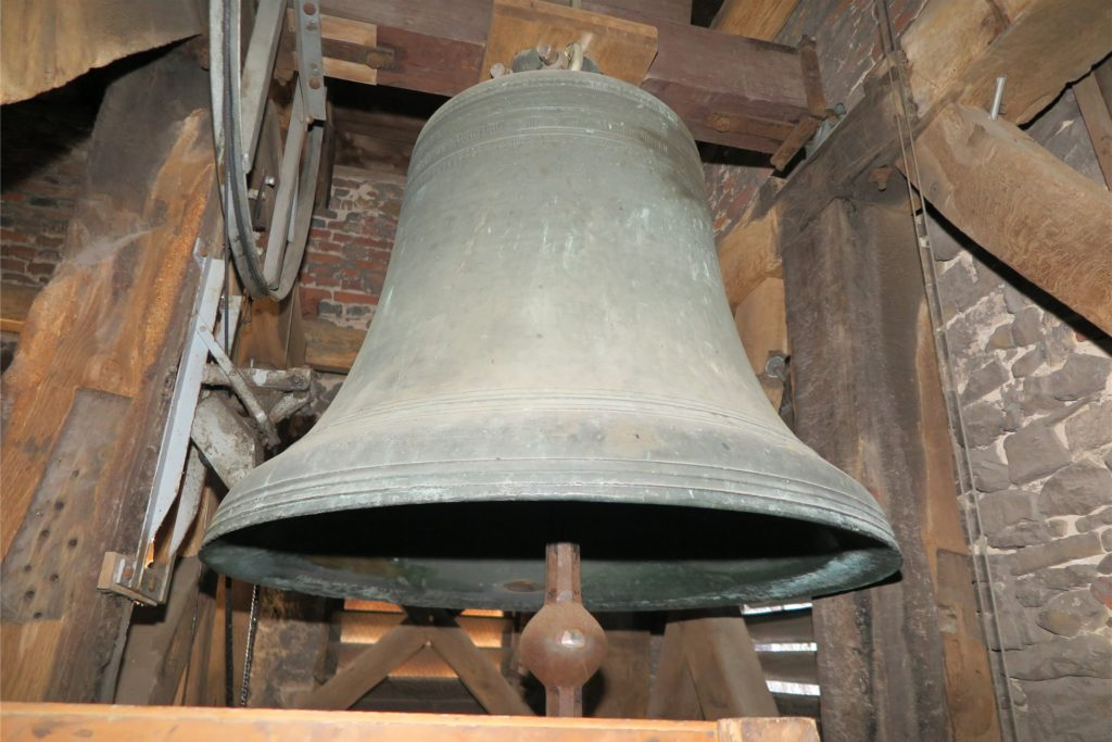 Seit 500 Jahren steht die große Glocke der Drevenacker Kirche im Dienst der Verkündigung des Evangeliums. Sie ruft zum Gottesdienst, mahnt zum Gebet und begleitet das Beten.