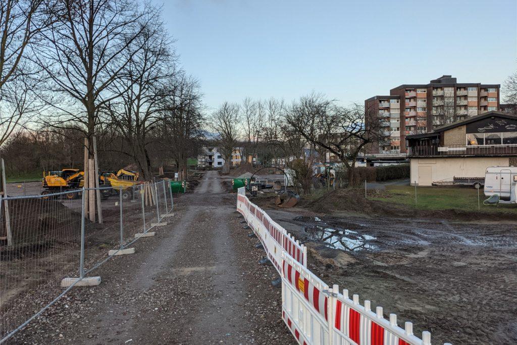 Bürgerpark Maria Lindenhof: der Bereich zwischen Kanal und LWL-Wohnheim ist wegen der Bauarbeiten derzeit nicht wiederzuerkennen.