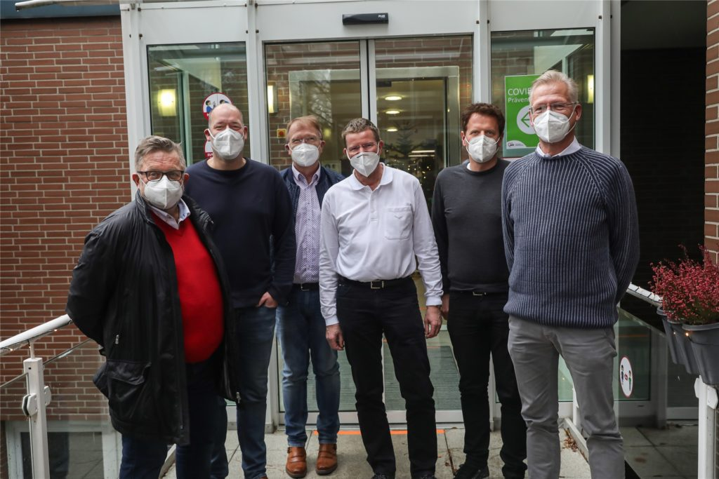 Impf-Auftakt in Dortmund: Dr. Reinhard Büker, Dr. Jan Fuisting, Werner Breitbach, Dr. Michael Hausmann, Dr. Matthias Flume und Dr. Prosper Rodewyk (v.l.).