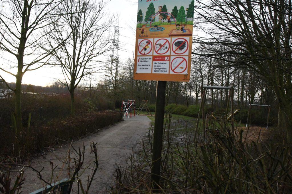 Die Stadtwerke haben den Spielplatz Zum Nierfeld schöner und sicherer gemacht.