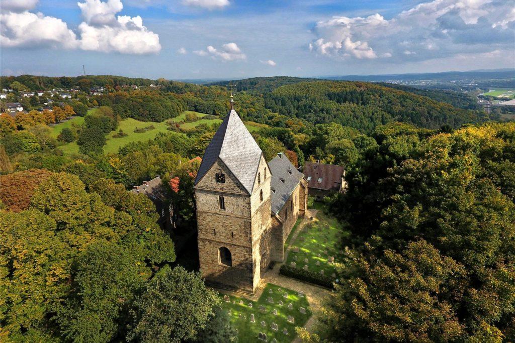 St. Peter gilt als älteste Kirche Westfalens.