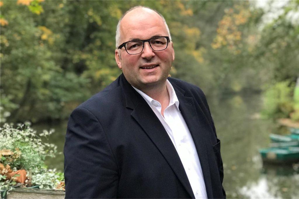 Kolping-Pressewart Norbert Wieland stellt klar, dass in diesem Jahr wegen Corona der Fokus nur auf dem Einsammeln der Bäume liegt.