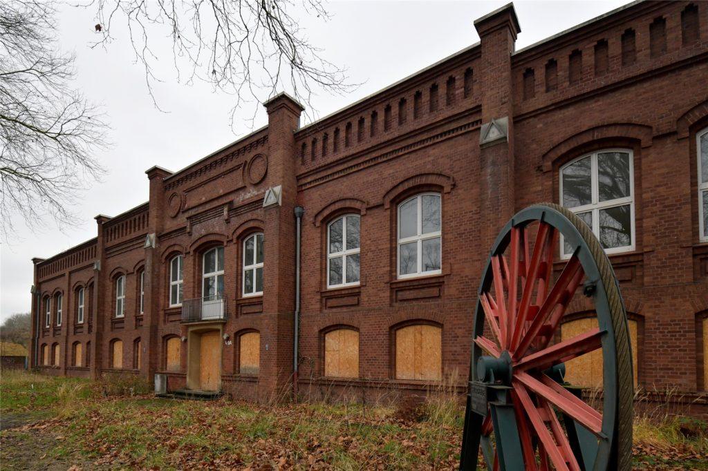Die Bausubstanz des ehemaligen Verwaltungsgebäudes der Zeche Preußen in Horstmar ist nicht mehr zu retten. Die Fassade soll aber erhalten bleiben.