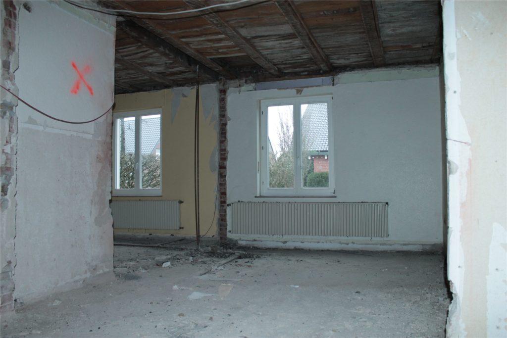 Hier entstehen die Sanitäranlagen für die Lehrer.