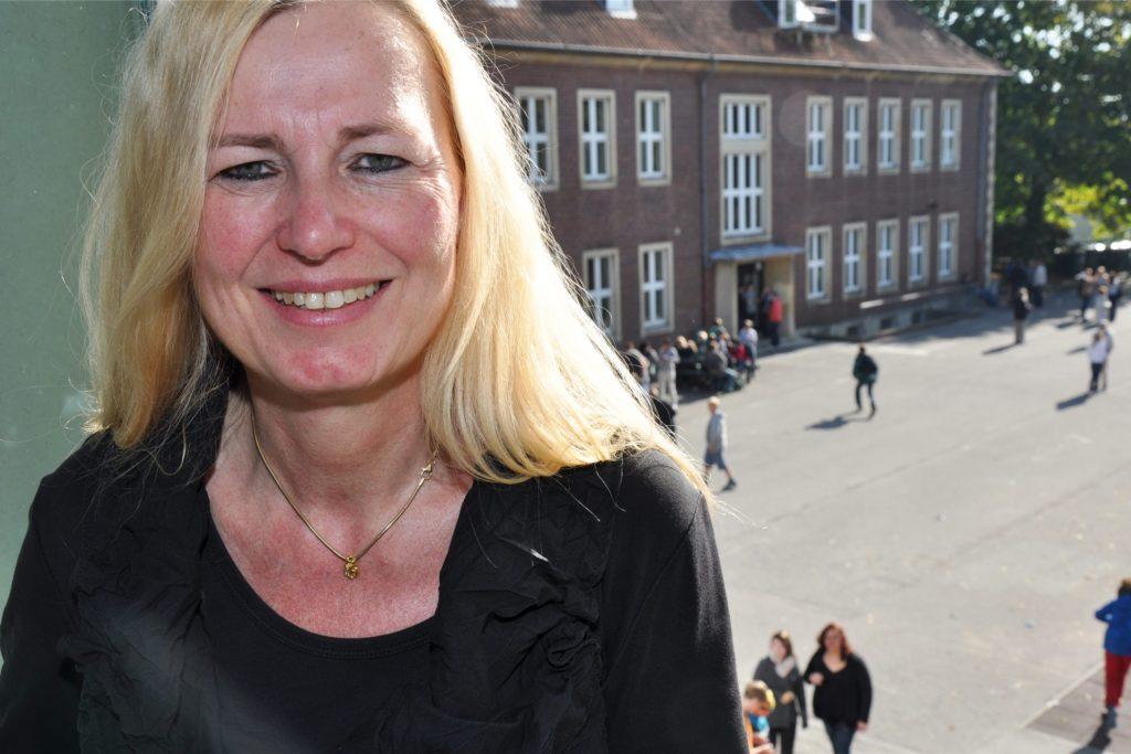 Dagmar Perret leitet die Joseph-Hennewig-Hauptschule. Auch hier startet am 11. Januar der Distanzunterricht.