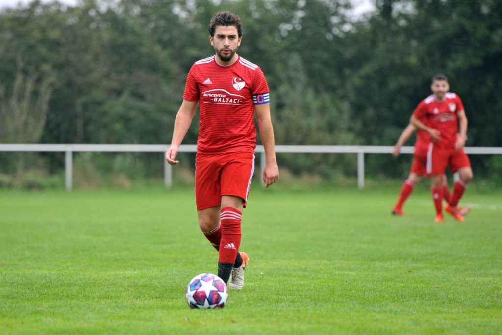Saffet Semer, hier als Kapitän des TSV Ahaus, kehrt im Sommer zur Eintracht zurück.