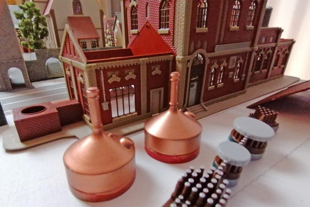 Die Brauerei ist der letzte größere Bauabschnitt vor den Detailarbeiten. Braukessel und Abfüllanlage warten noch auf den Einbau.