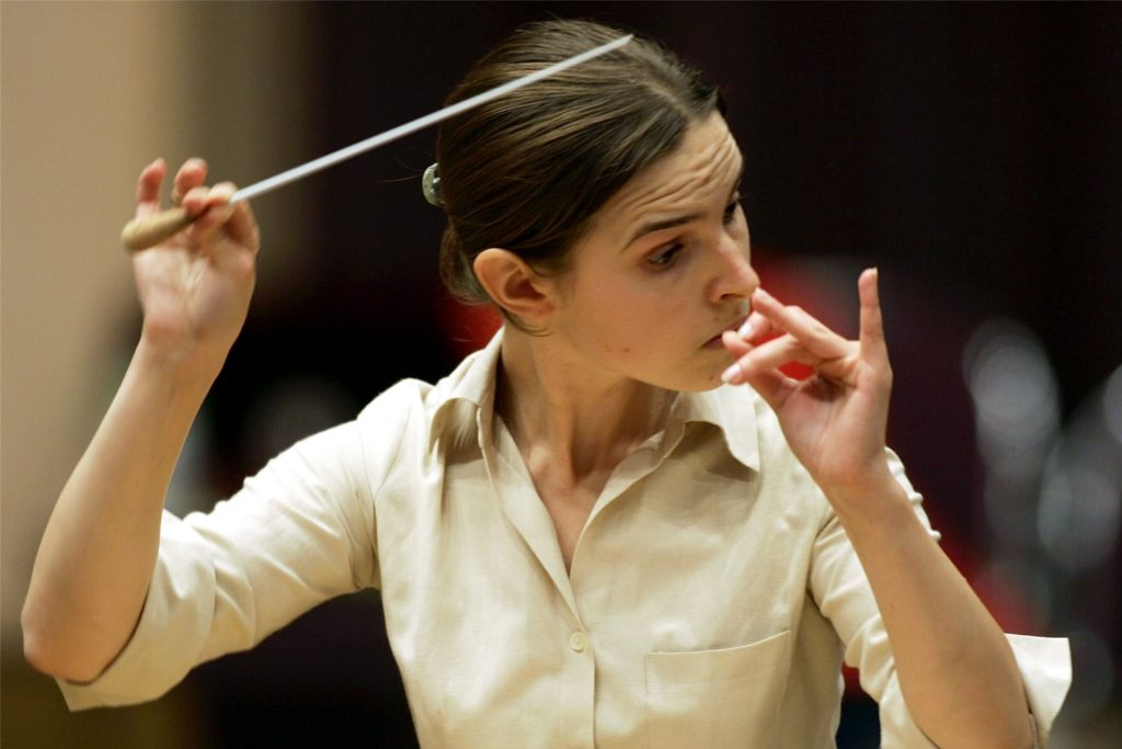 """Oksana Lyniv soll im Sommer bei den Bayreuther Festspielen die erste Frau am Pult sein. Sie ist als Dirigentin für die Neuinszenierung des """"Fliegenden Holkländer"""" vorgesehen."""